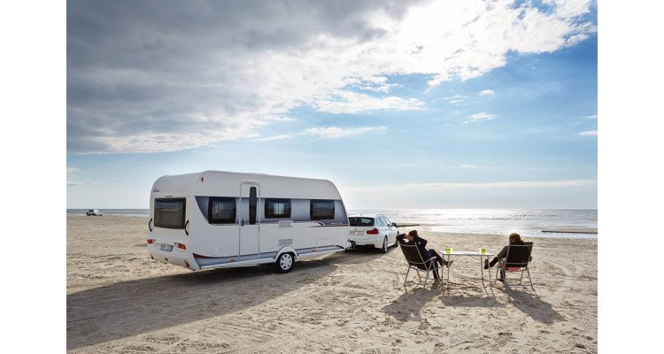camping-on the beach