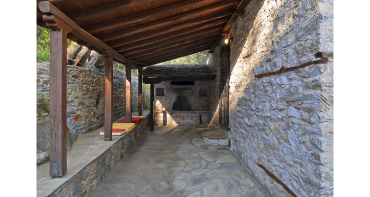 traditional house-Pelion-for rent
