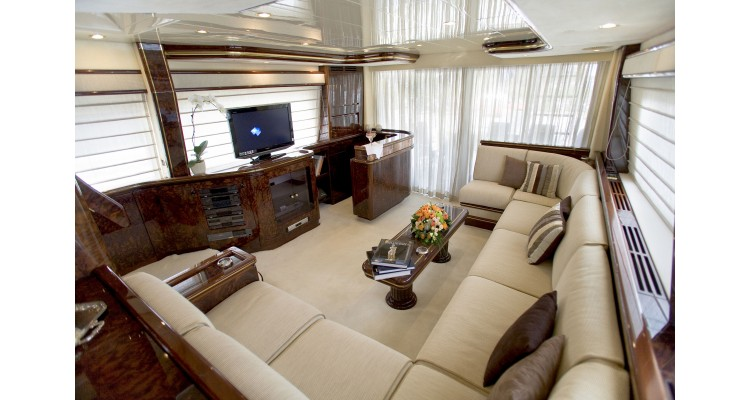 yacht-living room