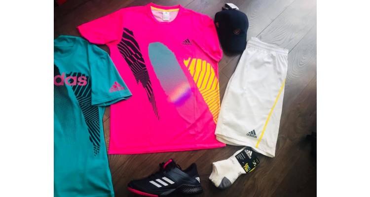 τένις-ρούχα