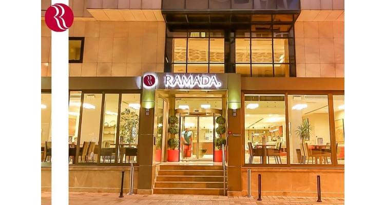 Ramada είσοδος ξενοδοχείου