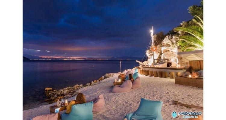 Karnagio beach