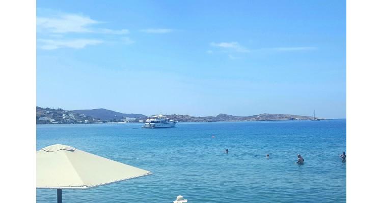 Syros-island-Foinikas-beach