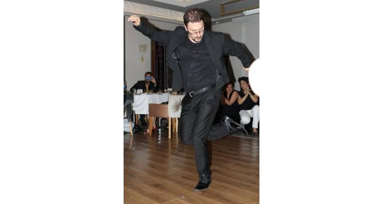 The Turkish Teacher dancing