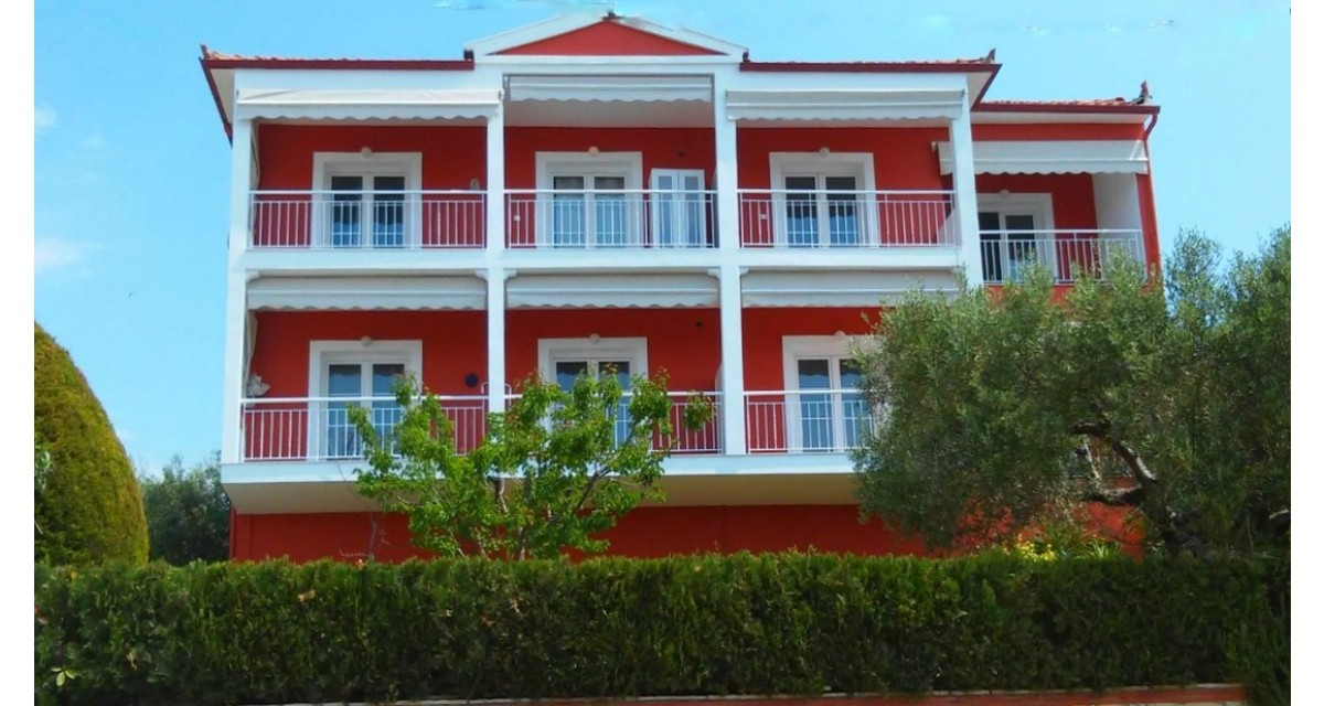 "Summer House"" Studios & Apartments in Nikiti 