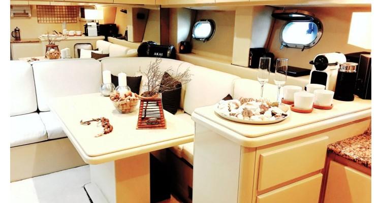 Prive Cruises-εσωτερικό