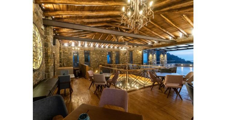 Aelios-Petra-Restaurant