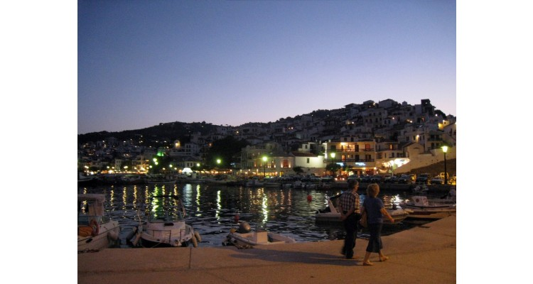 Skopelos-by night