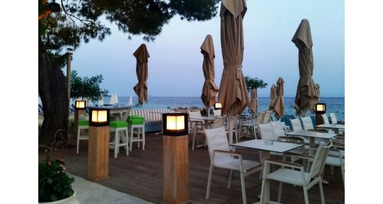 Nikiti beach bars