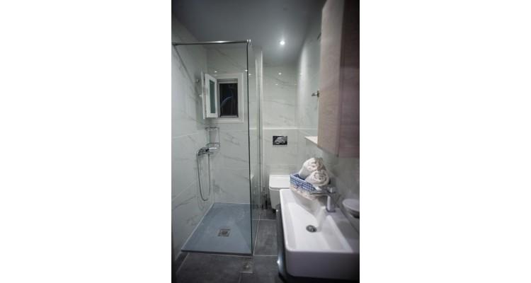 Maria Stoudios-Peraia Thessaloniki-bathroom
