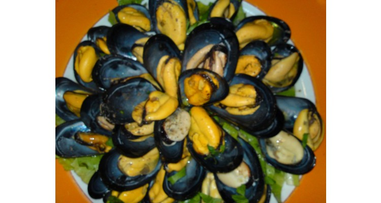 Maestros-Fish and Meat-mussels