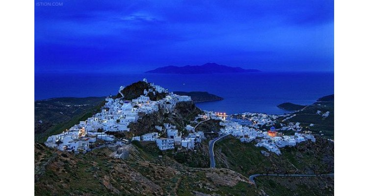Serifos-by night