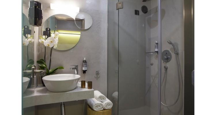 Kriamos-bathroom