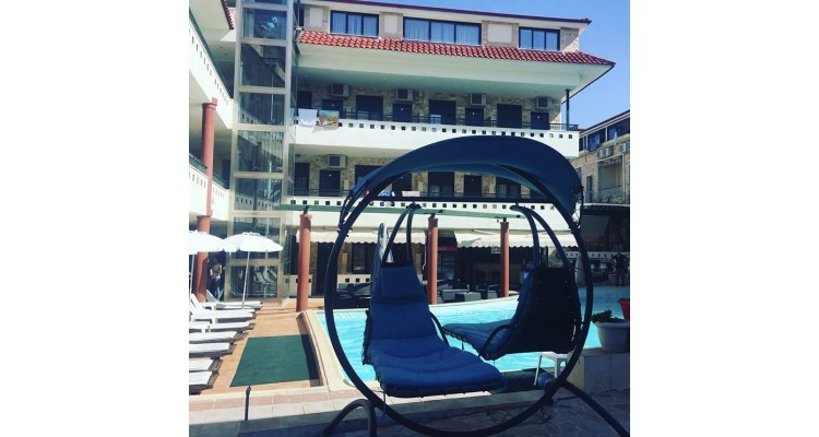 Philoxenia-pool
