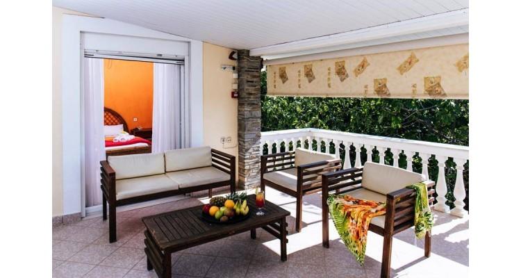 Potos-hotel-balcony