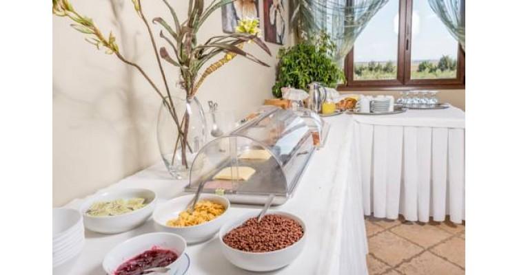 PetrinosLofos-breakfast