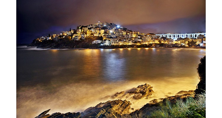 Kavala night