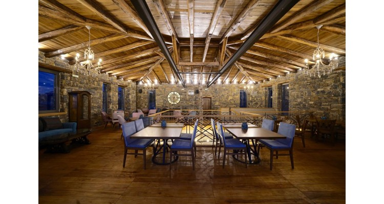 Aelios-Petra-dining room